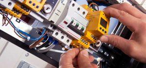 elektrische Steuerungen,Steuerungselement im Schaltschrank